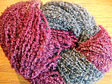 NZ Boucle - Cranberry/Gray